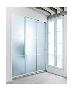 Porte coulissante contemporaine par Espace-et-mieux-être - Créateur de solutions gain de place depuis 1984 - Fabrication artisanale
