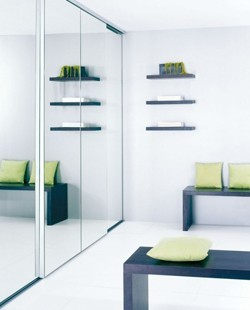 Porte de placard modèle Integra - Porte de placard sur mesure avec miroir - Espace et Mieux-Être